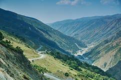 Пропуск Kaldama дороги горы стоковое фото