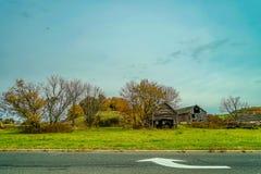 Проселочная дорога осени, Нью-Джерси -го октябрь, США стоковые фотографии rf
