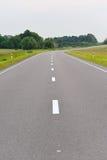 Проселочная дорога выровнянная валом Стоковые Фотографии RF