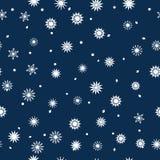 Простая безшовная картина снежинок на синей предпосылке Абстрактные обои, оборачивая украшение Символ  Стоковое фото RF