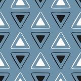 Простая безшовная картина с повторять треугольники Нарисовано вручную иллюстрация штока