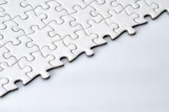 Простая белая головоломка зигзага Стоковое Изображение RF