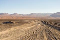 Простирание пустыни Sandy на боливийских Андах Стоковые Изображения