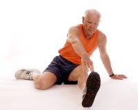 простирания старшия ноги Стоковая Фотография