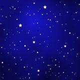 Простое звёздное королевское голубое небо с яркими простыми звездами Стоковое Изображение