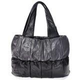Простое women& x27; изолированная сумка отдыха s Стоковое Фото