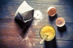 Простой десерт сделанный из яичек и сахара Стоковое Фото