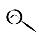 Простой логотип с горой внутри увеличивает на белой предпосылке бесплатная иллюстрация