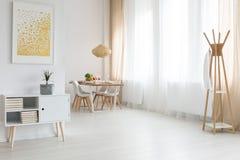 Просторная квартира с столовой Стоковая Фотография RF