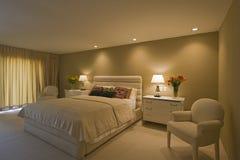 Просторная спальня в доме Стоковое Изображение RF