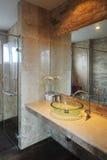 просторное ванной комнаты самомоднейшее Стоковая Фотография