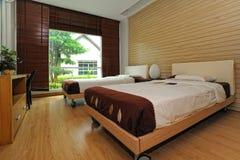 просторное спальни самомоднейшее Стоковое Фото
