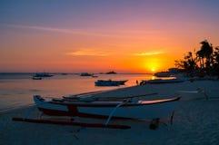 Просто сногсшибательный заход солнца над островом Malapascua, Cebu, Филиппинами Стоковые Изображения