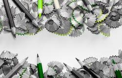 Пространство между shavings карандаша crayon деревянные Стоковые Изображения