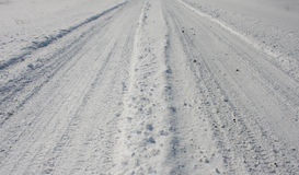 Простые снежные следы автомобиля - ландшафт Стоковые Изображения