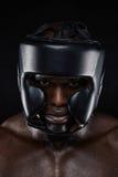 Протектор сильного африканского человека нося головной Стоковая Фотография RF