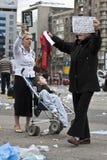 протестанты governement bucharest передние стоковые фото