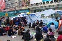 Протестующие демократии Гонконга воюют их главу исполнительной власти Стоковые Фотографии RF