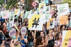 Протестующие женщин вновь собираются в kadikoy, Стамбул, Турция Стоковая Фотография RF