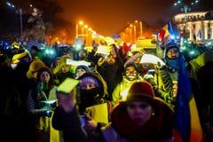Протестующие с желтыми светами, Румынией Стоковые Изображения