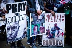 Протестующие требуют ООН для того чтобы остановить убить геноцид мусульман Rohingya в Мьянме стоковые изображения rf