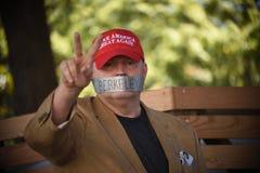 Протестующий в Беркли стоковое изображение rf