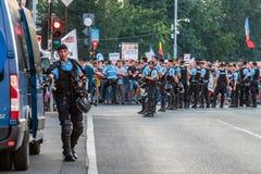 Протесты в Бухаресте Румынии против коррумпированного правительства - 11 -го августе//2018 стоковое фото