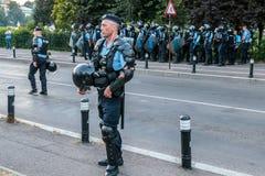 Протесты в Бухаресте Румынии против коррумпированного правительства - 11 -го августе//2018 стоковое изображение