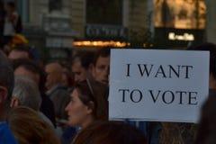 Протесты для своиственн каталонцам Indipendence Референдум Каталонии: люди prostesting в улицах Барселоны Октябрь 2017 Стоковое Изображение