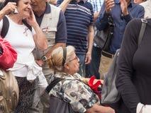 Протесты на квадрате Malostranske в Праге Стоковая Фотография