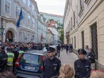 Протесты на квадрате Malostranske в Праге Стоковое Изображение RF