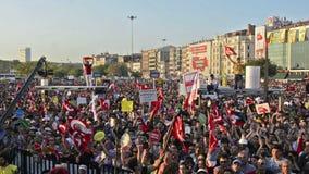 Протесты пиршества человека газа на Kadıkoy видеоматериал