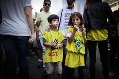 Протест 12-ое апреля 2015 São Paulo улицы Бразилии Стоковые Фотографии RF