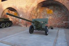 Противотанковое оружие ZIS-2 стоковое изображение