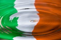 против воды irish флага капельки Стоковое Фото