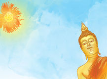 против голубой статуи неба Будды Стоковая Фотография RF