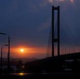 против захода солнца моста южного Стоковая Фотография RF