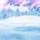 против зимы валов снежка неба голубой конструкции предпосылки понижаясь Стоковое фото RF