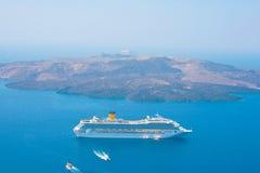 против корабля santorini острова круиза вулканического Стоковое Изображение