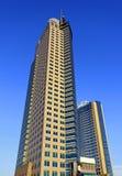 против неба голубого здания самомоднейшего Стоковые Изображения RF