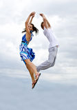 против неба пар воздуха скача Стоковое Фото