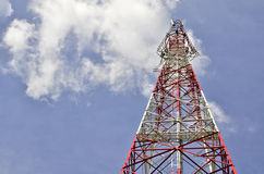 против неба связей антенн голубого Стоковые Фотографии RF