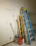 против стены scafold реновации трапов Стоковые Изображения RF