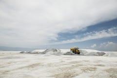Протяните насколько глаз может увидеть соляное озеро Стоковые Фотографии RF