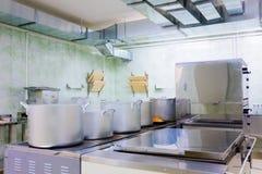 Профессиональная кухня стоковые изображения