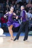 Профессиональная пара танца выполняет латино-американскую программу Youth-2 на трофее союзничества стоковое изображение rf