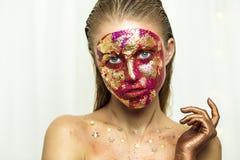 Профессиональное portret студии молодой красивой девушки с красивым составом красоты Стоковые Фотографии RF