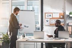 Профессиональные менеджеры трудятся на проекте Стоковая Фотография RF