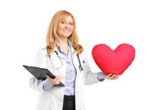 профессионал удерживания медицинского соревнования clipboard стоковые фотографии rf