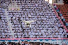 Профессионал фантома 4 Quadcopter Dji трутня с 4K цифровым пришел стоковые изображения